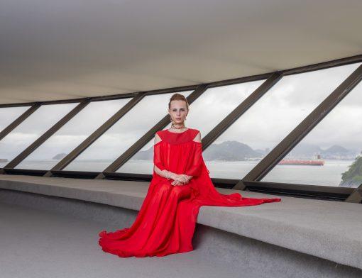 A Imperatriz Sentada, 2018. Foto-performance.